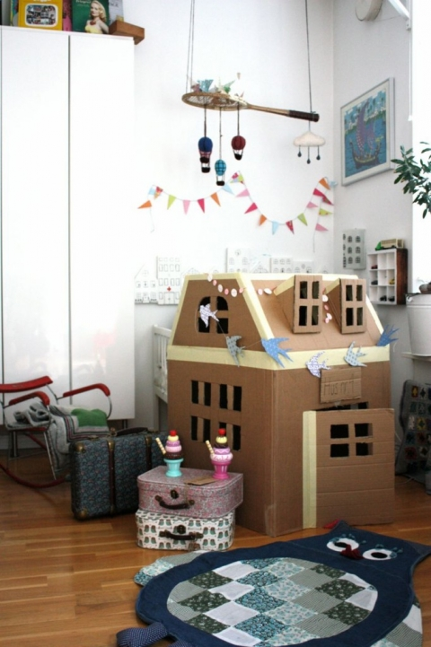 子供用ダンボールの家作り★海外アイデア集