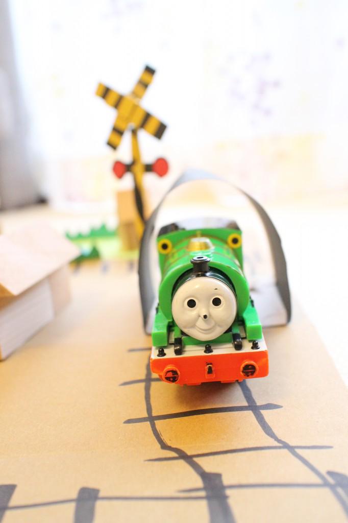 子どもが大好き「トンネル」の手作りおもちゃを作ってみた。