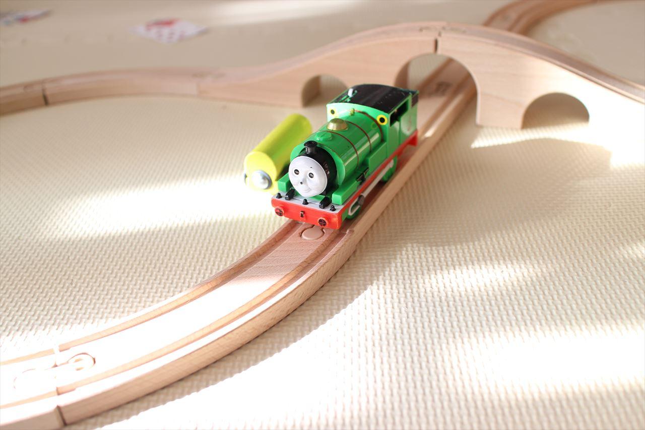 男の子のおもちゃ(ミニカー・電車)の収納アイデア