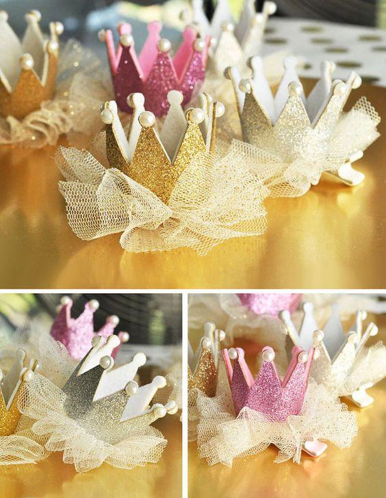こどもの誕生日飾り付けにこだわる!!海外風デコアイテム特集~王冠・ティアラを手作りしよう~