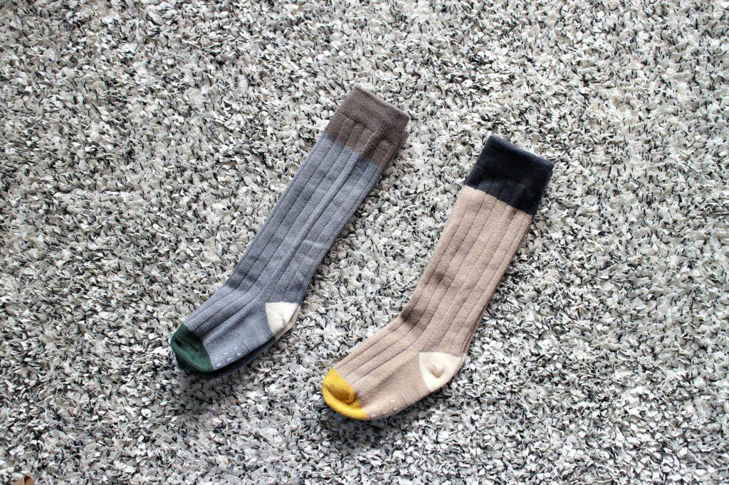 akiiro-ribu-socks-2tones