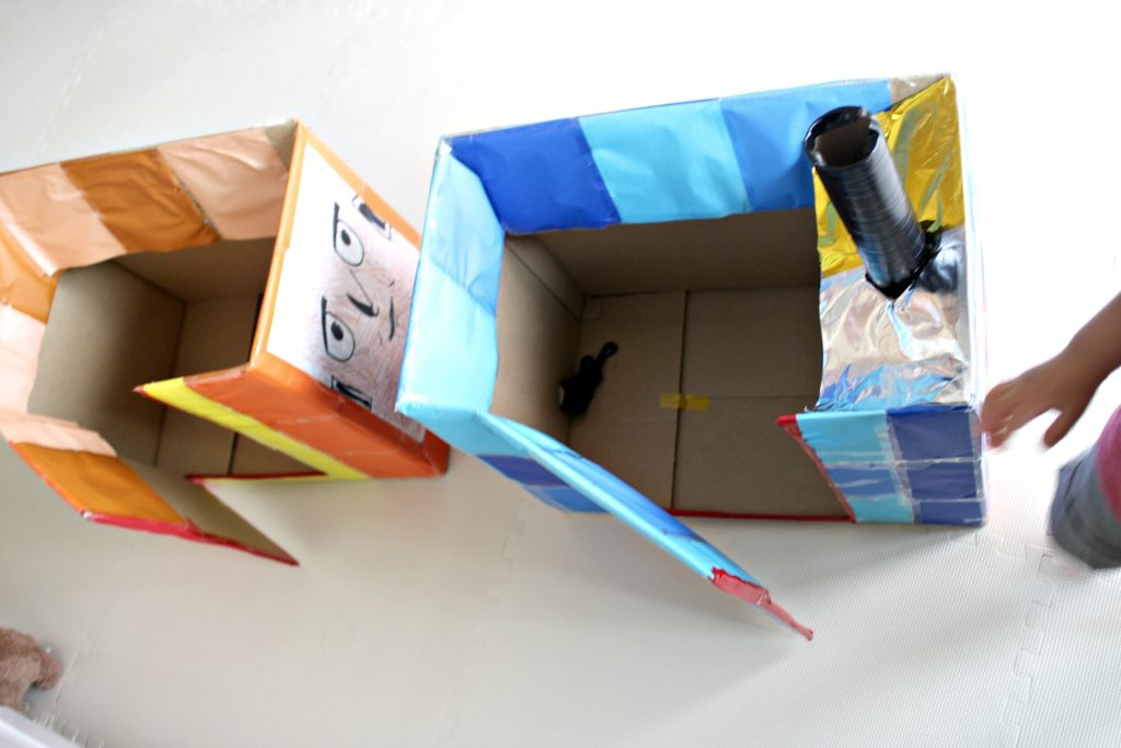 thomas-cardboard-craft3