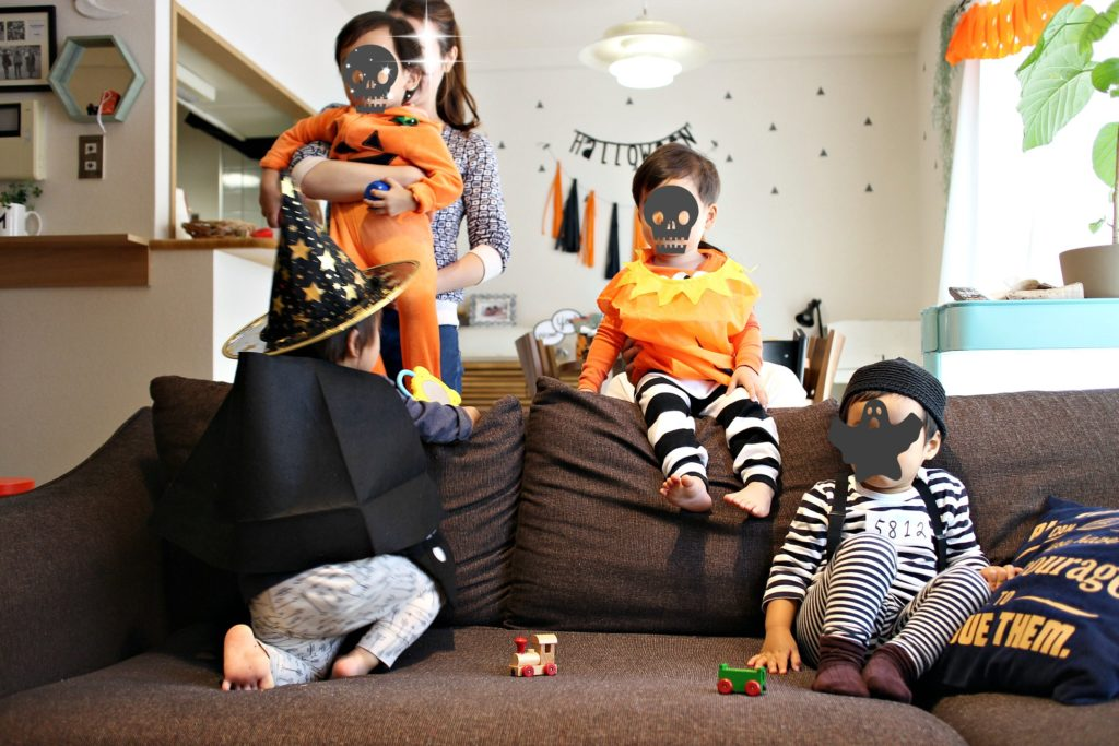 kids-halloween-homeparty