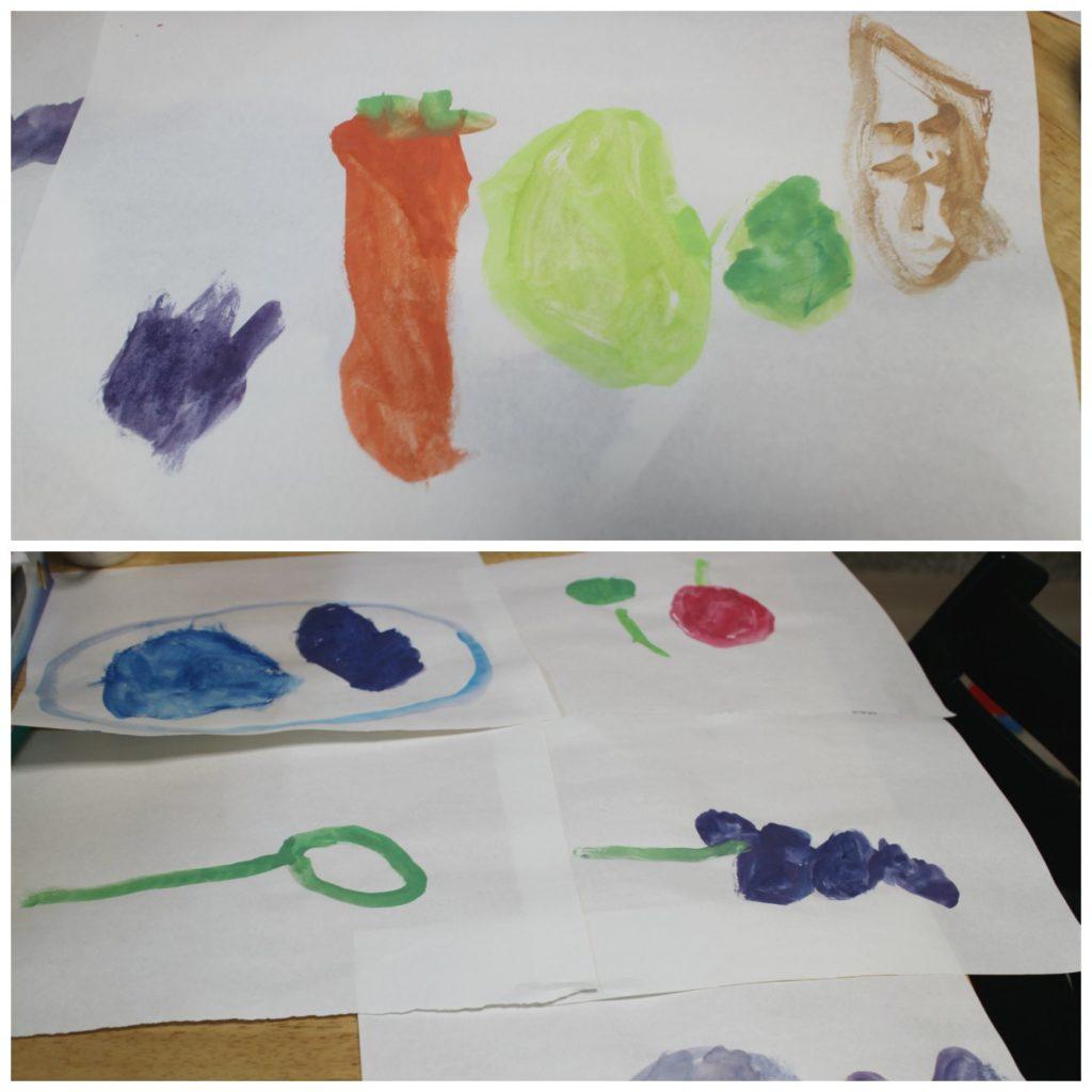 息子だけで書いた野菜や果物の絵。絵筆の交換以外手出ししてないわりにさまになっている。