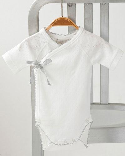 新生児~生後3ヶ月頃向け:可愛いベビーウェアランキング