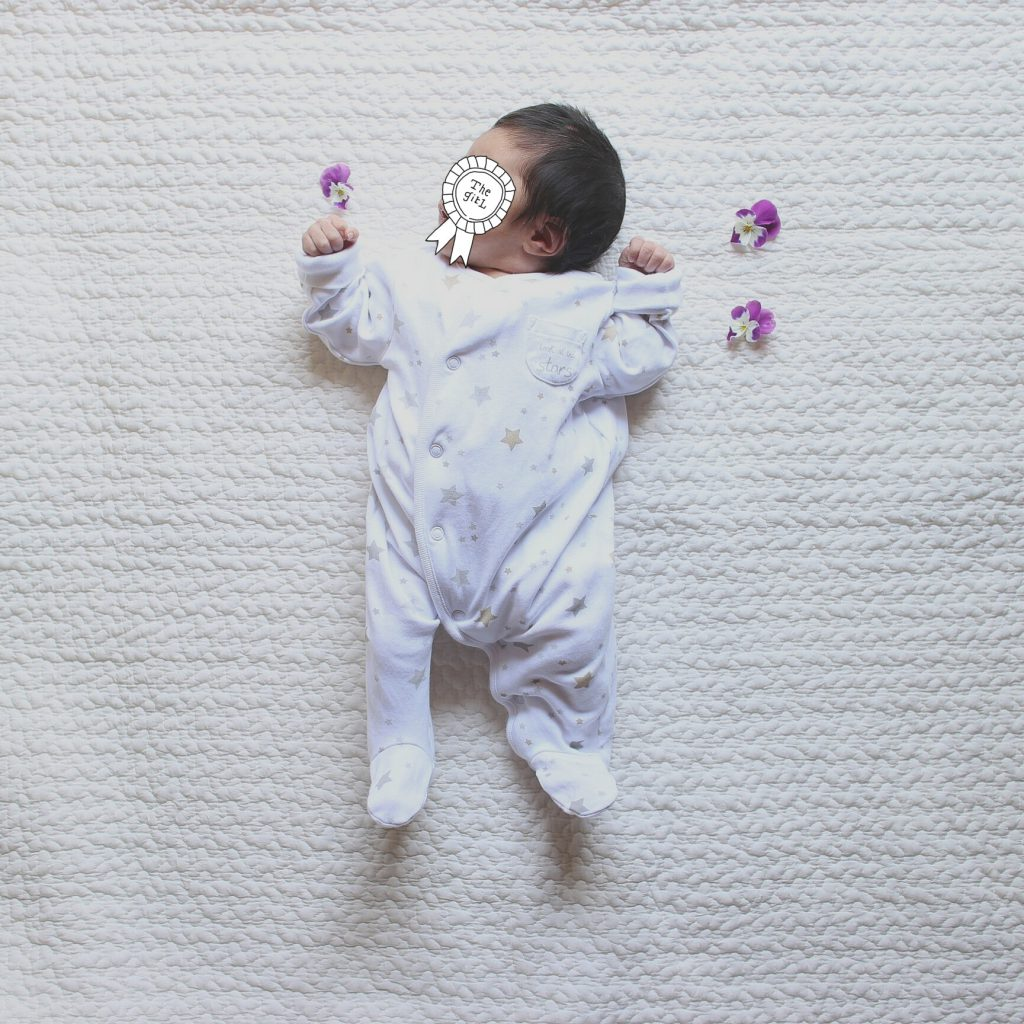 生後半月新生児、むすめと私の成長記録