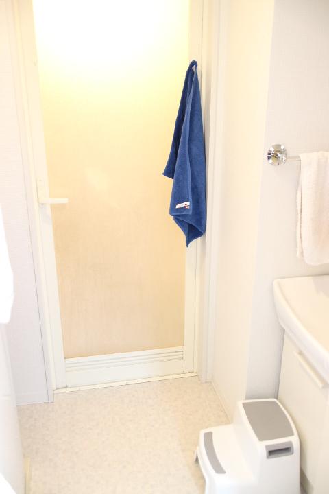 ハイハイ赤ちゃんが洗面脱衣所に来ても汚くないバスマット。