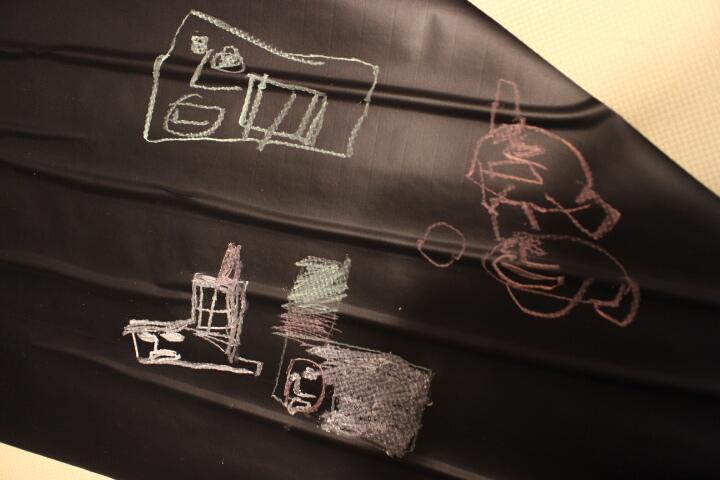黒板になる壁紙シートを貼ってみた【DIYビフォーアフター】
