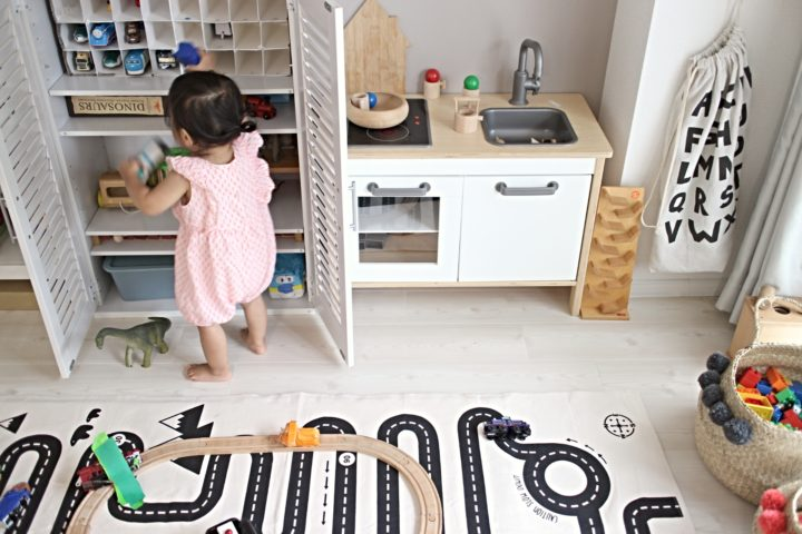 リビングの子供のおもちゃ収納スペース