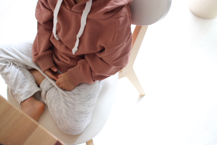 韓国子供服フードパーカーブラウン
