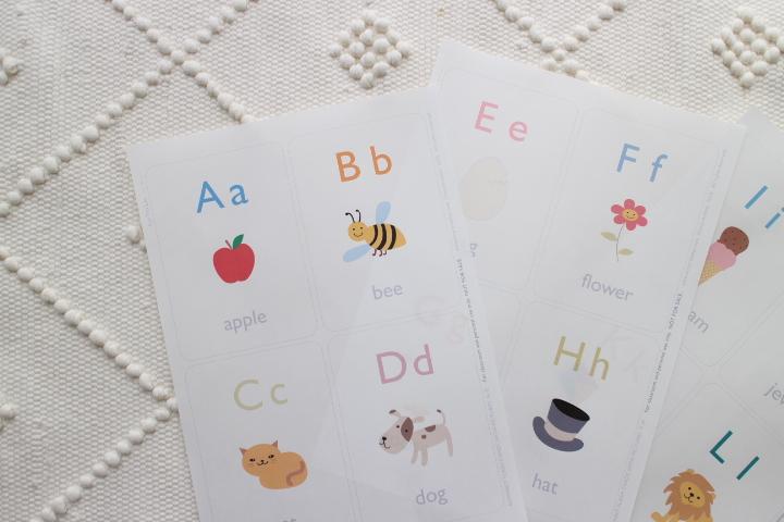 かわいいアルファベットのフラッシュカード