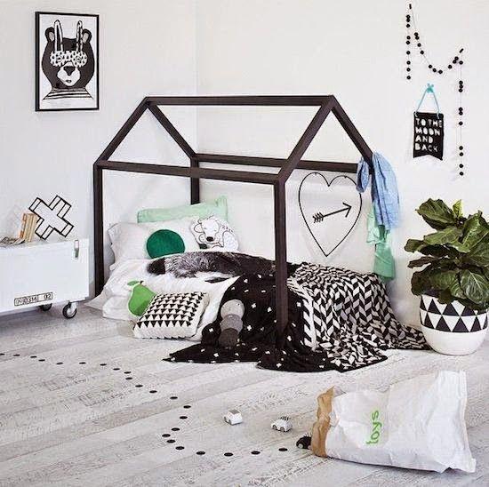 ハウスモチーフの子供部屋インテリアが可愛い。