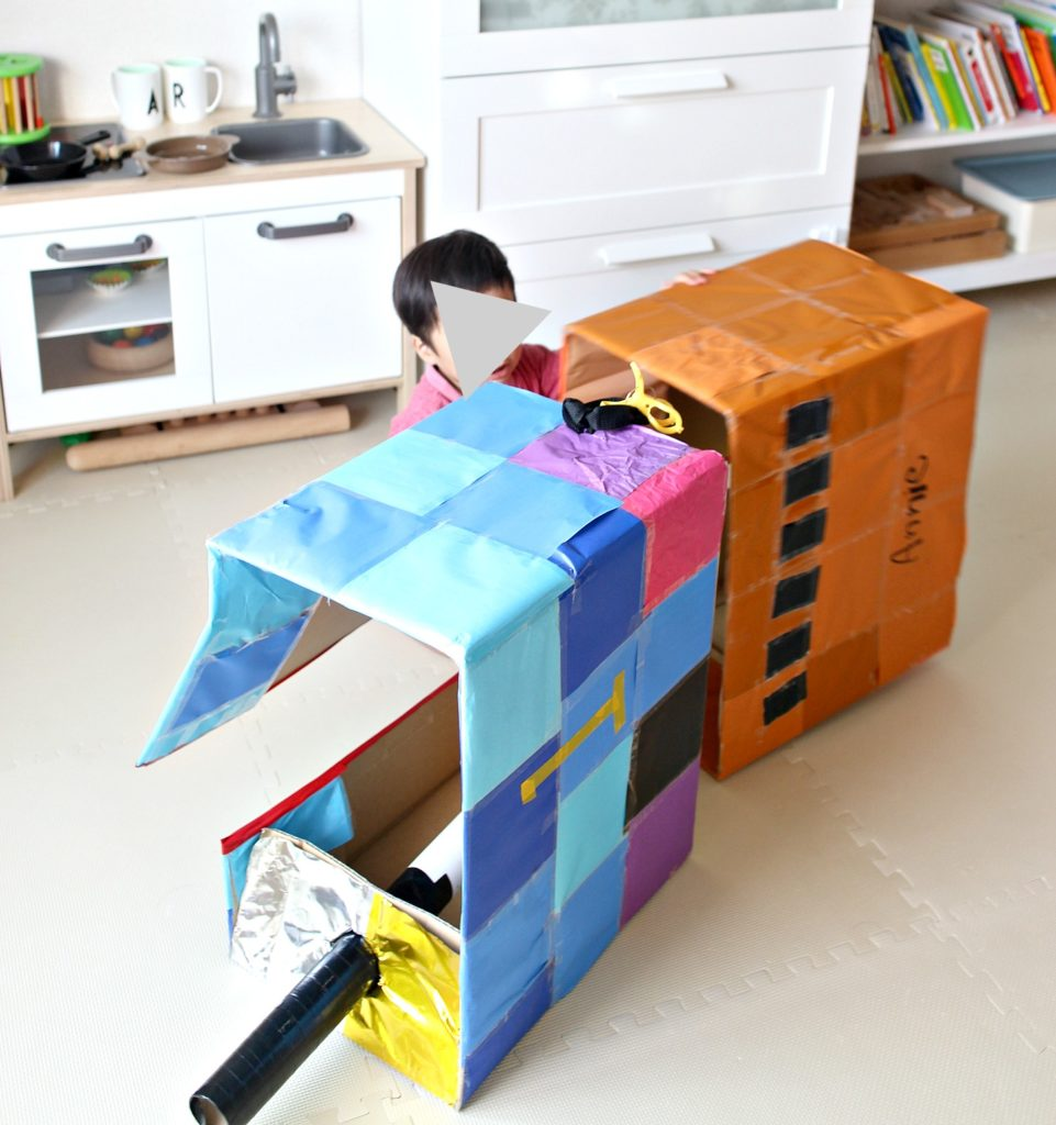 thomas-cardboard-craft2