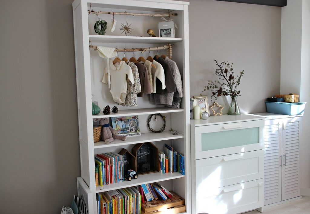 子供部屋の本棚・洋服チェスト・おもちゃ収納