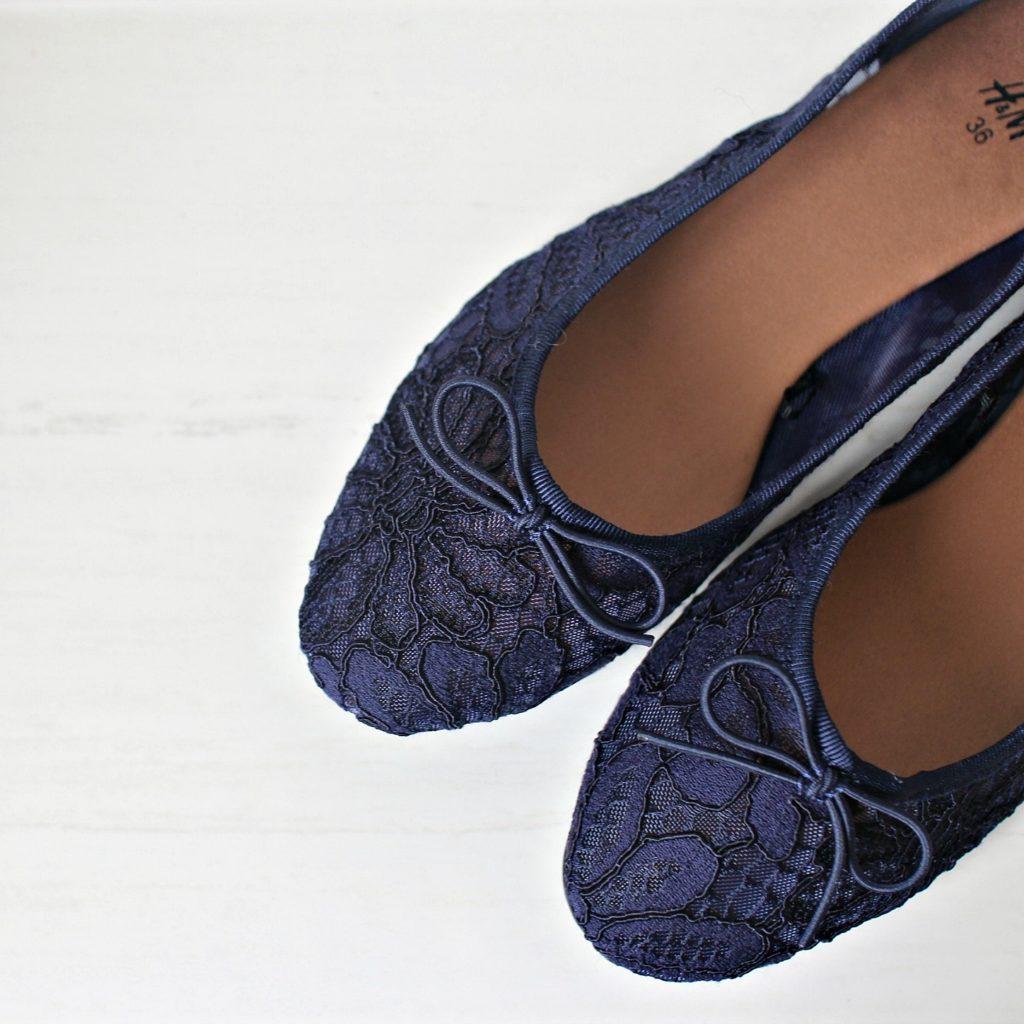 妊娠中の結婚式出席!H&Mのぺたんこ靴購入。