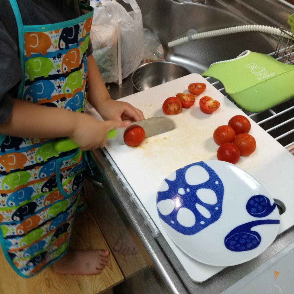 3才お料理ボーイ。台所育児に救われる週。