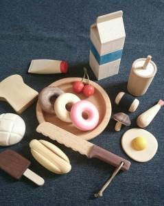 Tsurufurniの木製おままごと