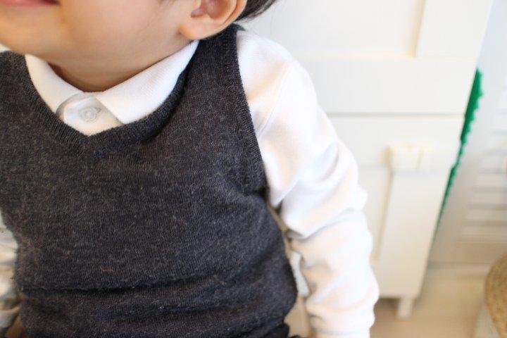 幼稚園の面接の服装、ベストは西松屋?