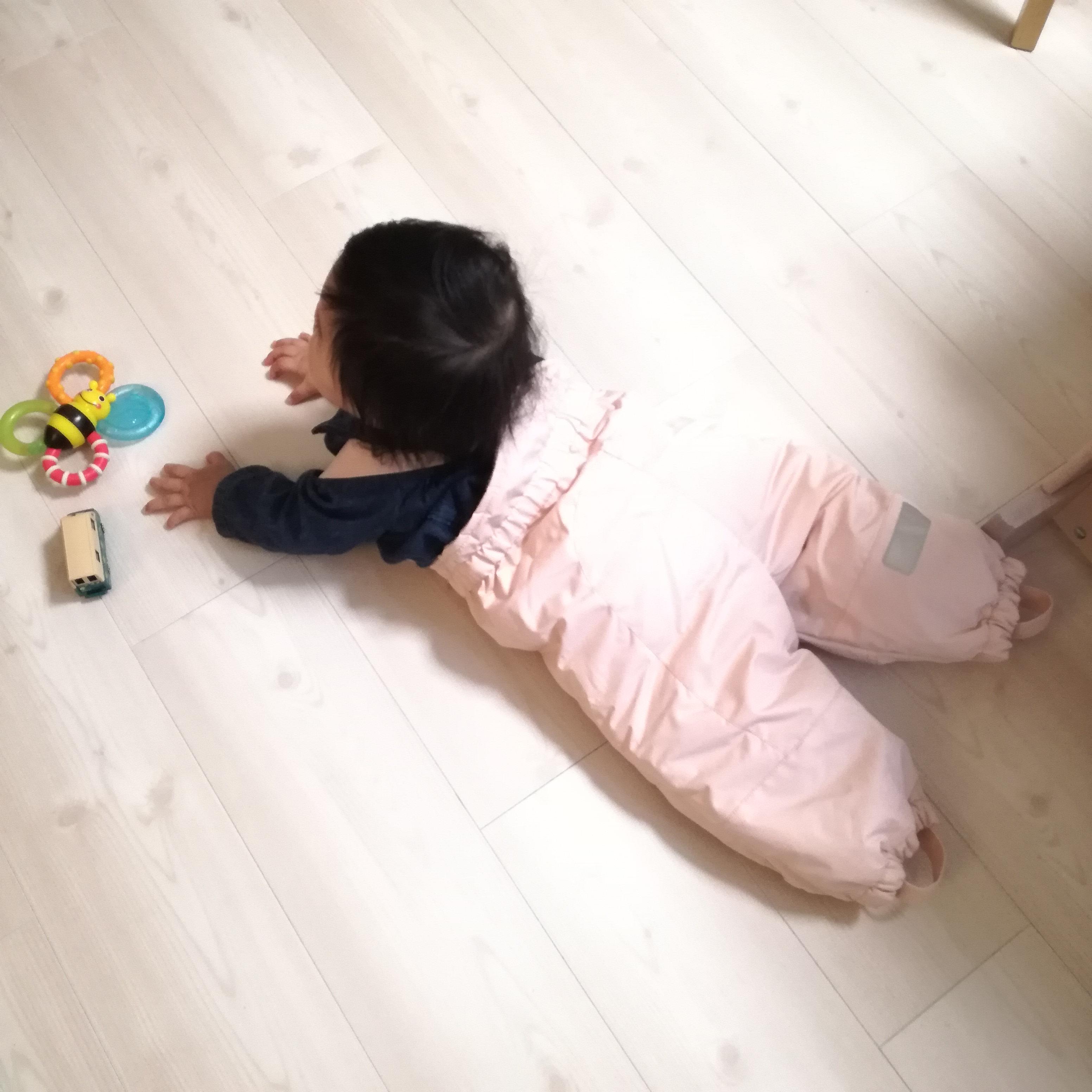 抱っこ紐で赤ちゃんの足が寒すぎる問題。