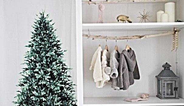 脱マンネリ!タペストリーのクリスマスツリーの斬新な飾り付けを考えた。