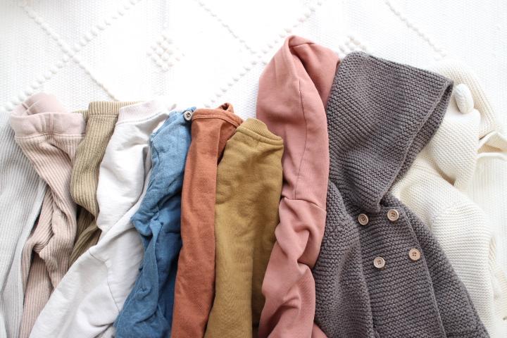 男女兼用の子供服カラー