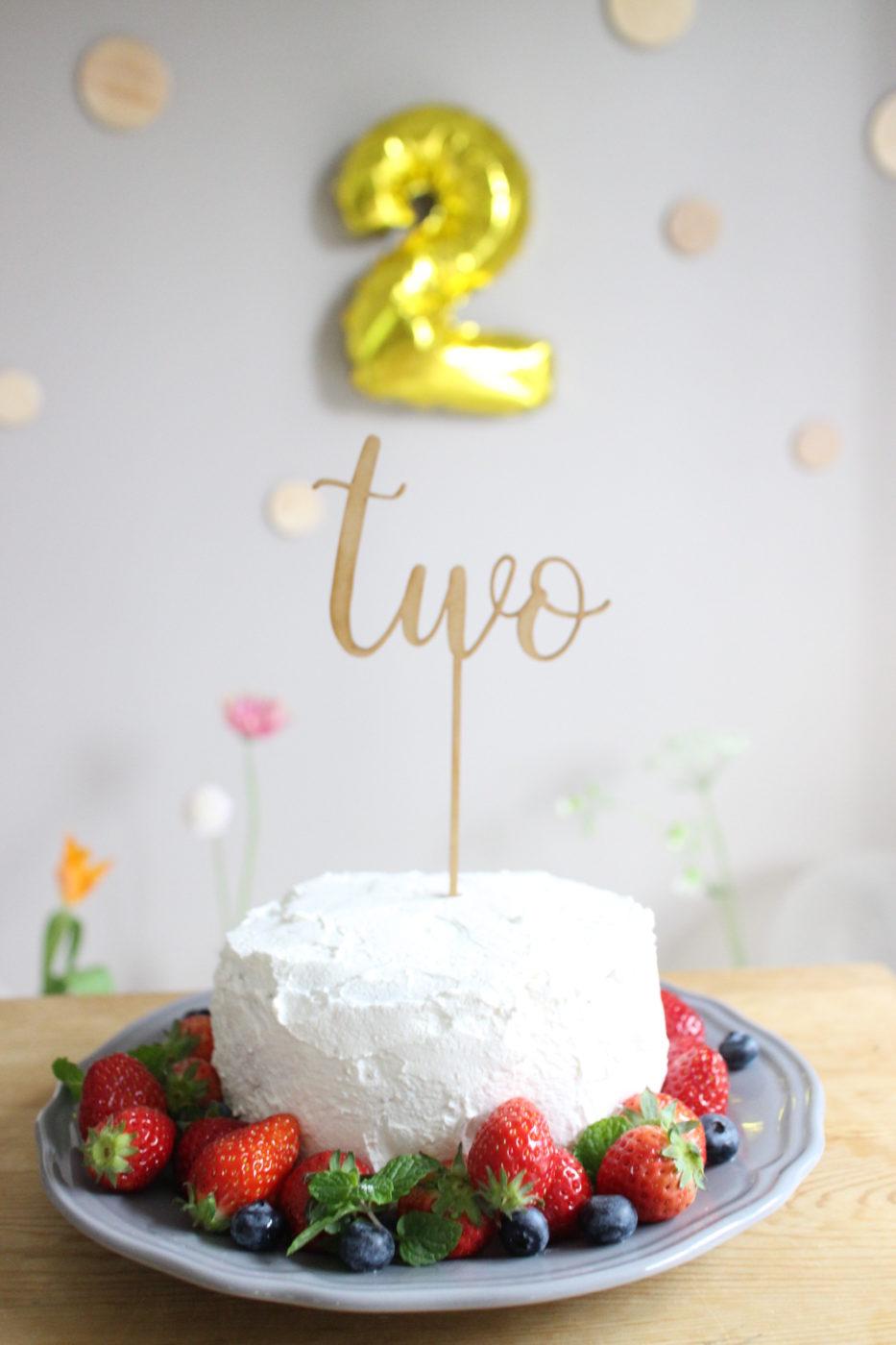 誕生日ケーキトッパおしゃれ