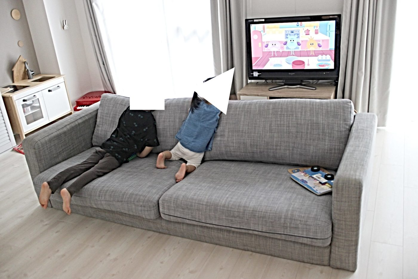 幼児がテレビに近寄りすぎ問題。
