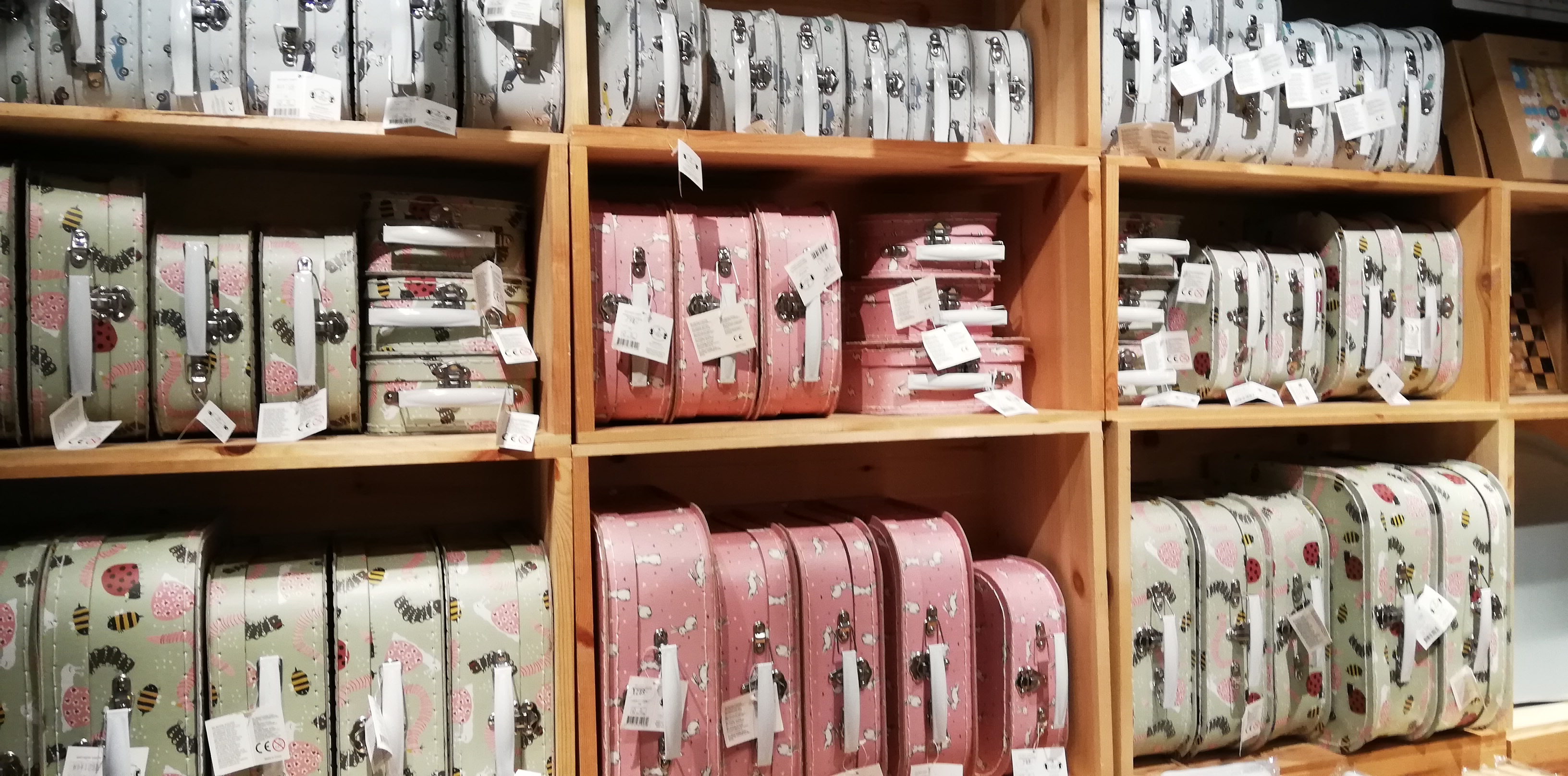 安くてかわいい北欧キッズ雑貨を発見!でも購入我慢する訓練の話。
