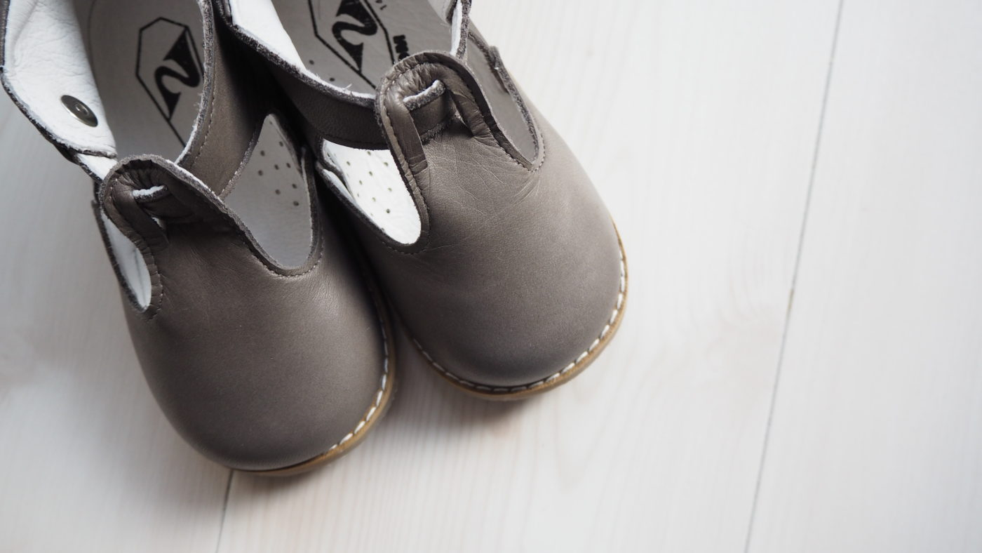 幼稚園女の子面接の靴、上履き